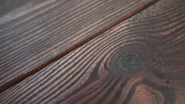 krásné kvalitní dřevo borovice hnědá textura tesařství Olympus a výrobní kontrola