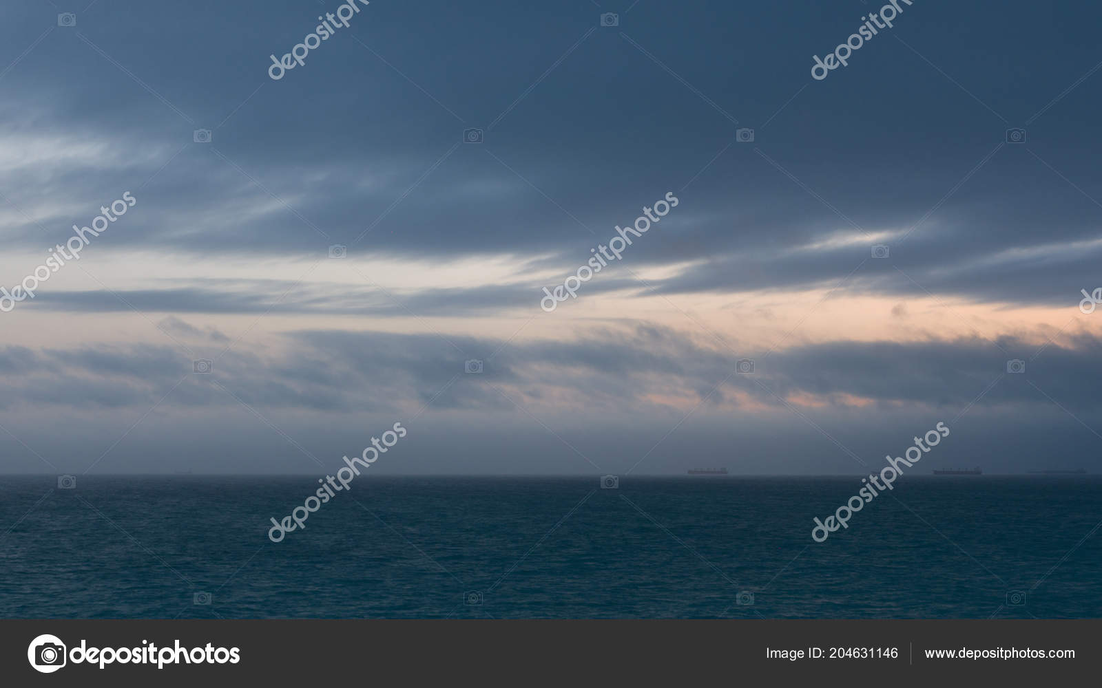 Seaview Sky Cold Waters Northern Sea Ships Distance — Stock