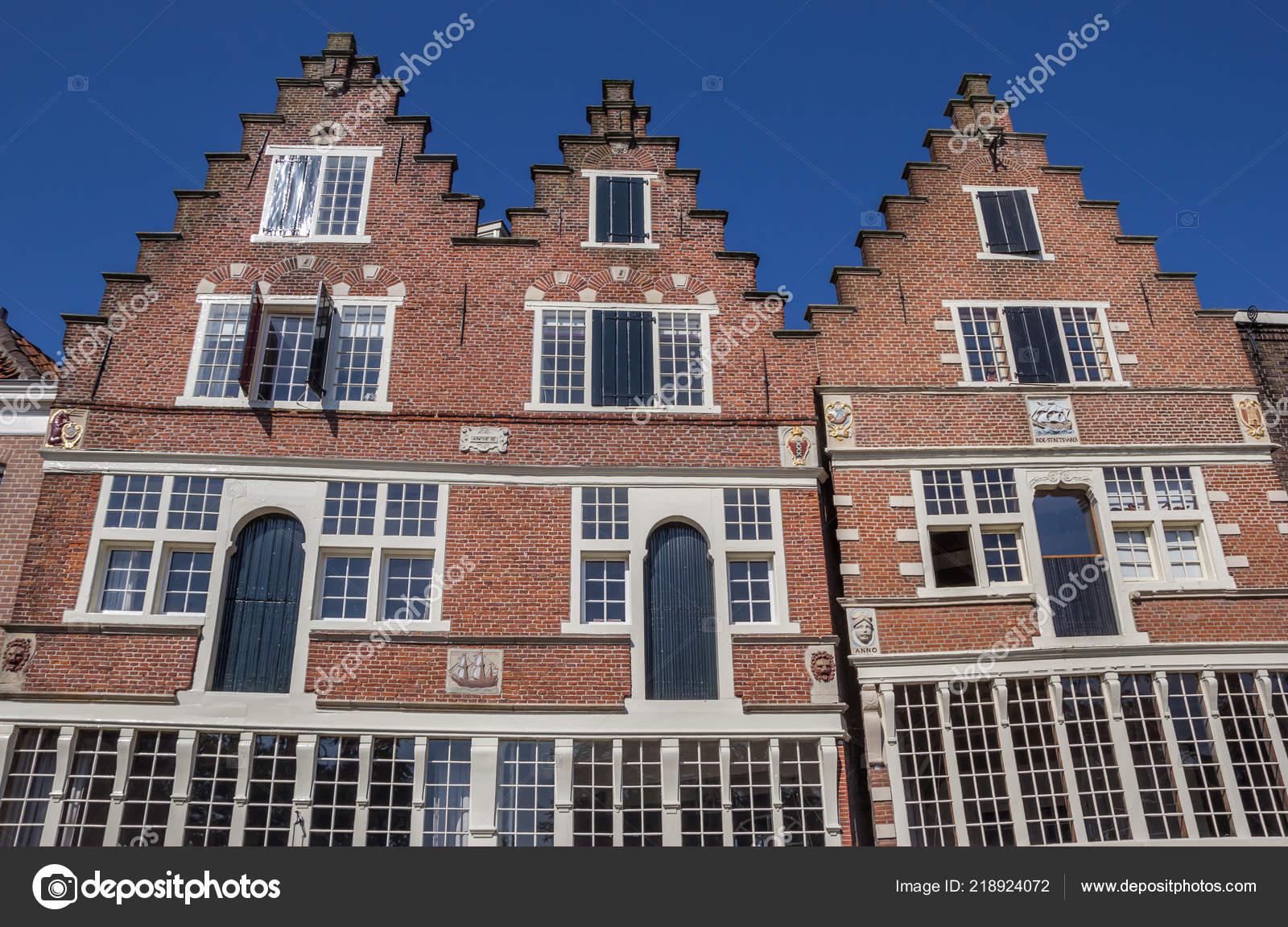 Gevel van een oud huis het centrum van hoorn nederland u2014 stockfoto