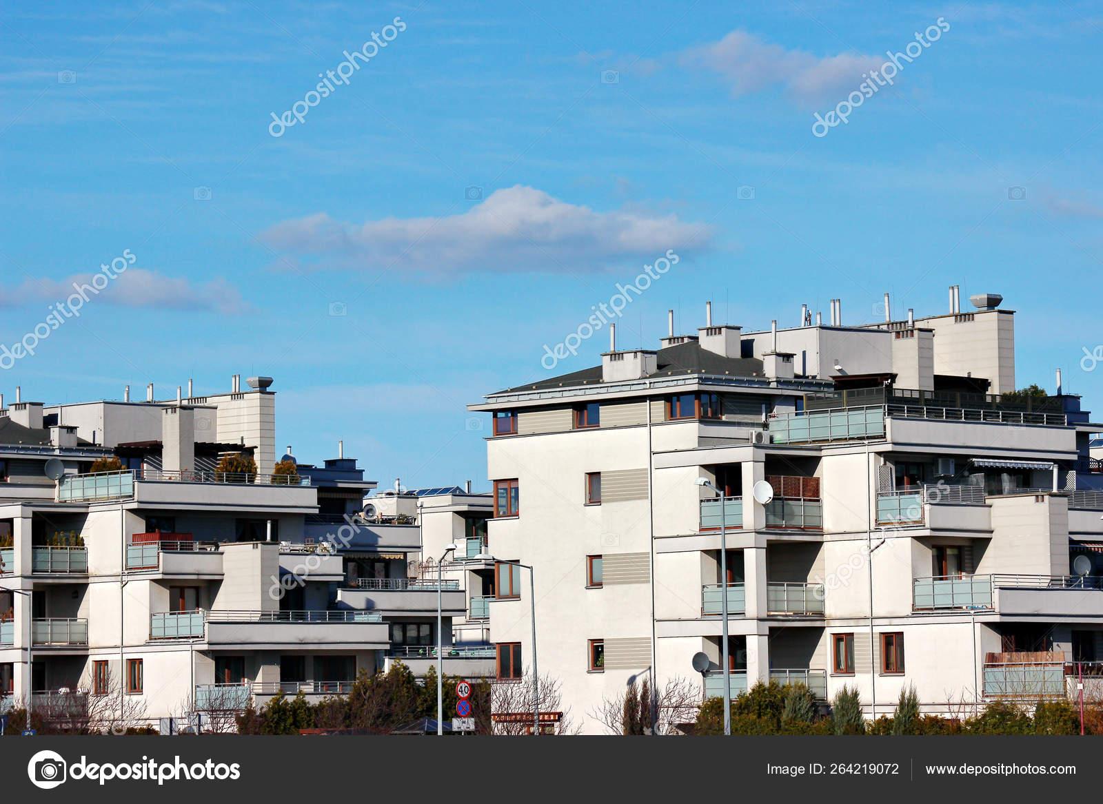 Edificios Modernos De Baja Altura Casas Planificación