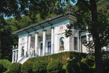 Vienna, Austria - August 8 2020: Otto Wagner Villa with Ernst Fuchs Museum, an Art Nouveau Building, also called Ben Tieber Villa. stock vector