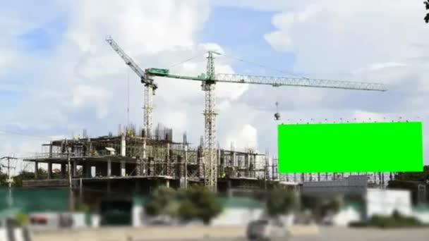 velké zelené obrazovce billboard a stavební místo