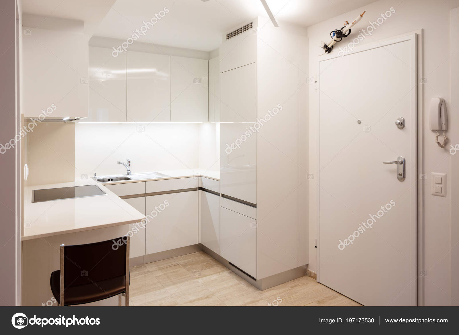 Progettare Cucina Appartamento Moderno Con Sgabello Nessuno All ...