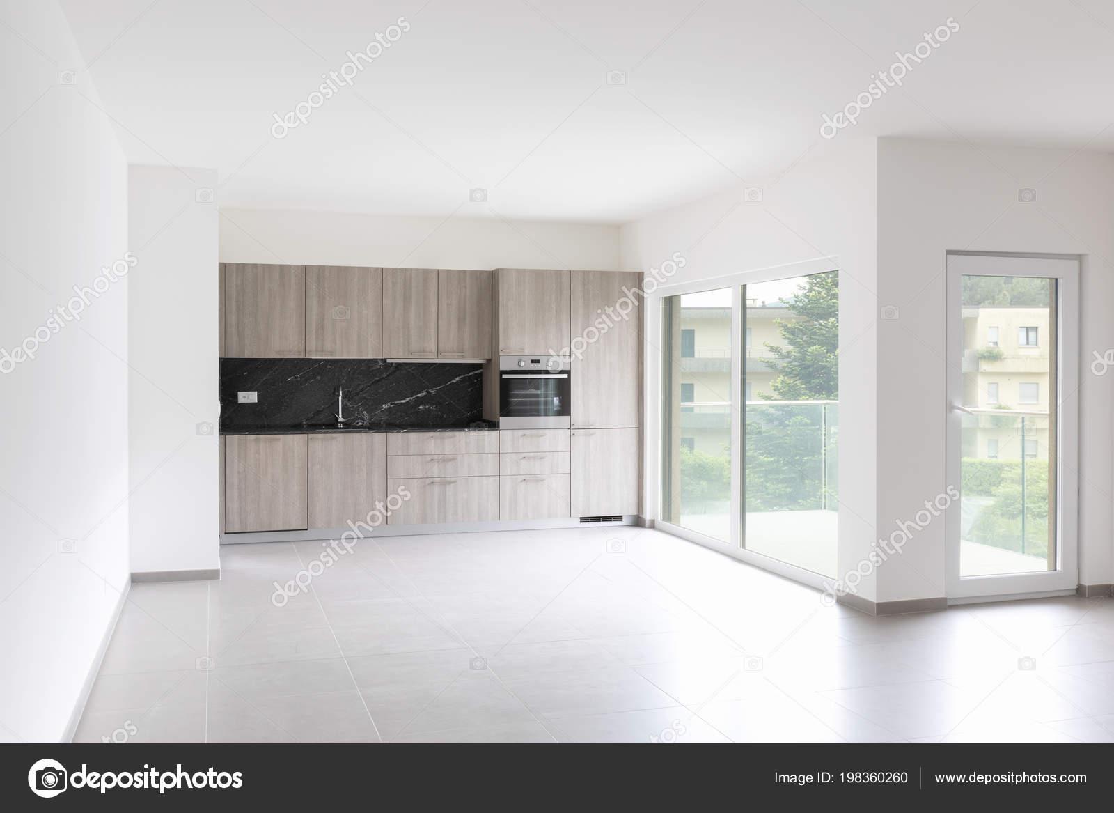 Keuken Grote Open : Grote woonkamer volledig witte keuken een moderne open ruimte