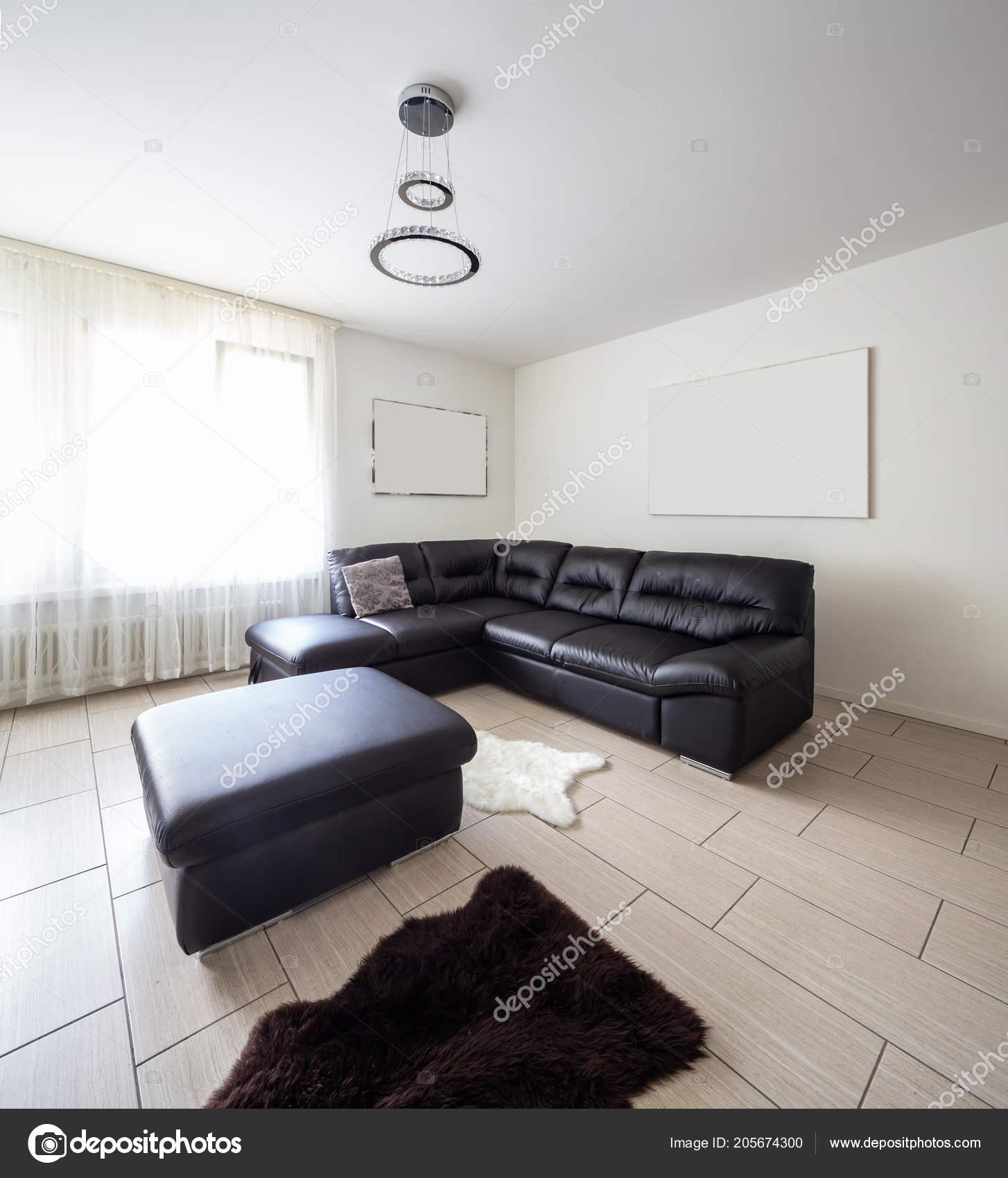 Living Room Leather Sofa White Walls Nobody — Stock Photo © Zveiger ...