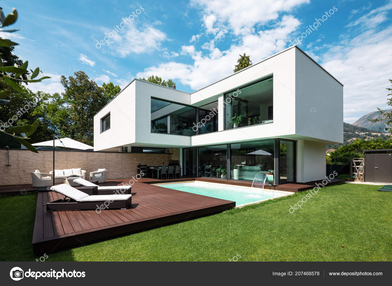 Beautiful Modernes Haus Mit Pool Und Garten Contemporary - Farbideen ...