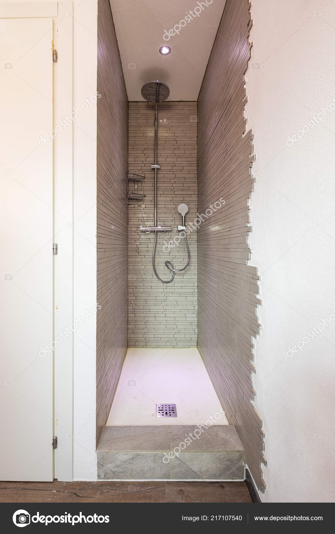 Dusche Detail Mit Mosaik Niemand Einschrauben — Stockfoto ...