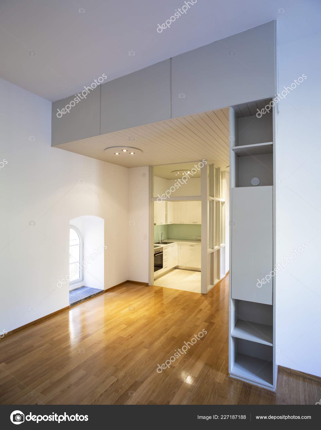 Pavimenti Per Cucina E Soggiorno.Elegante Appartamento Con Cucina Soggiorno Con Pavimenti