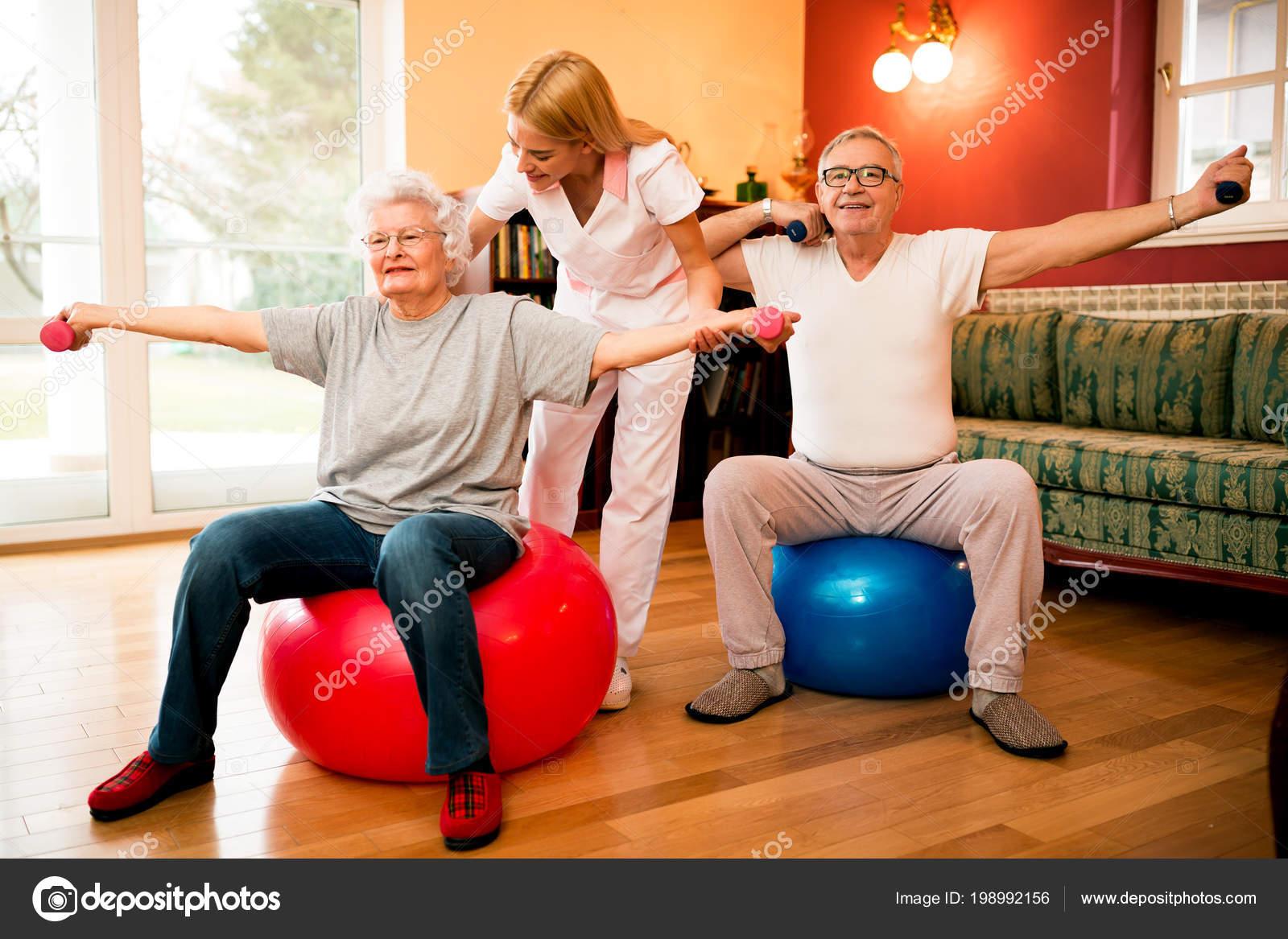 Упражнения с гантелями для пожилых людей дома вакансии дома престарелых в нижнем новгороде