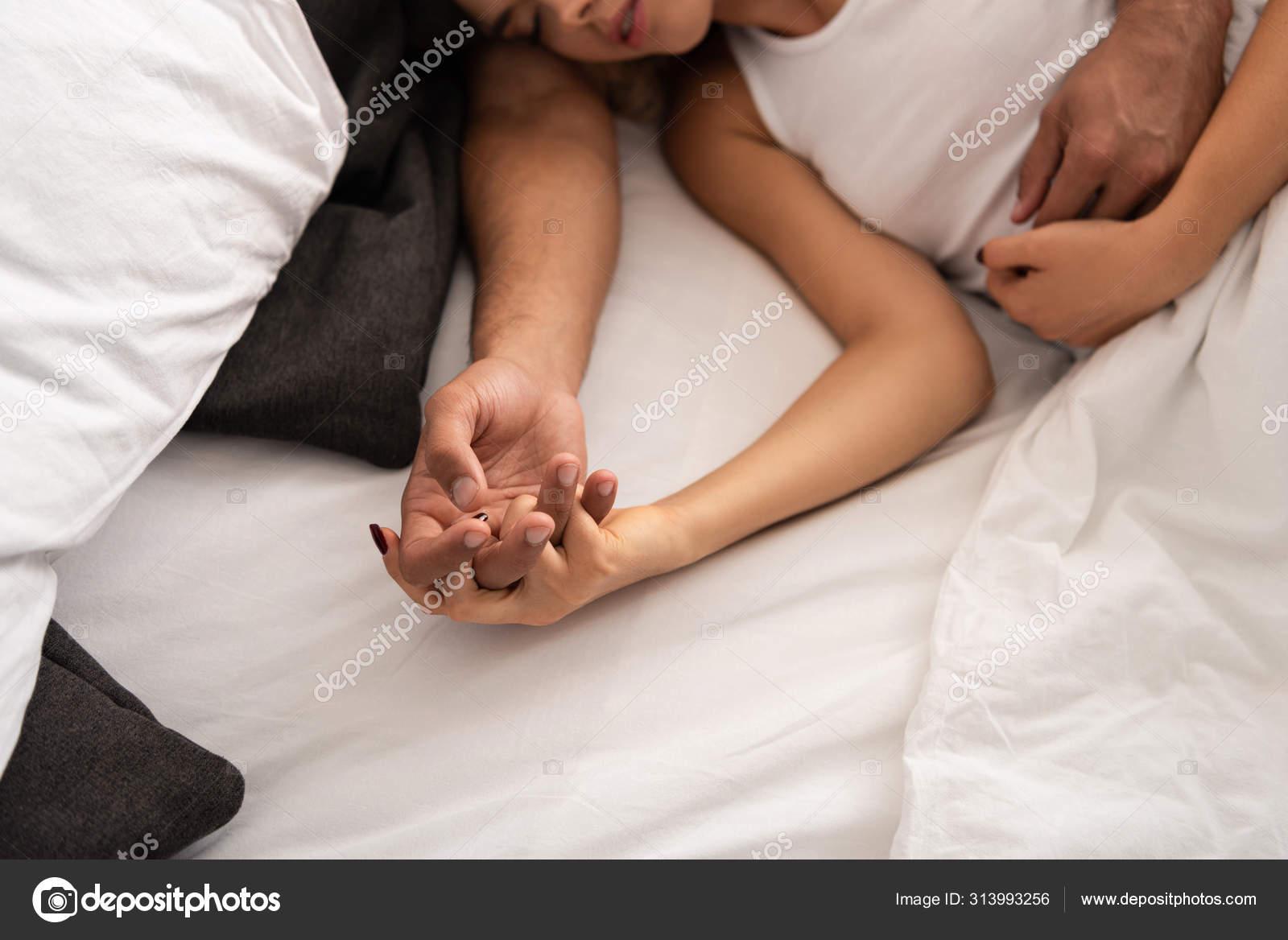 Фото спящих влюбленных пар работа для водителей девушек