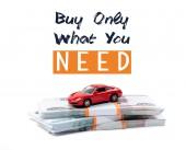 pénz és piros játék autó vásárolni csak mit kell illusztráció elszigetelt fehér