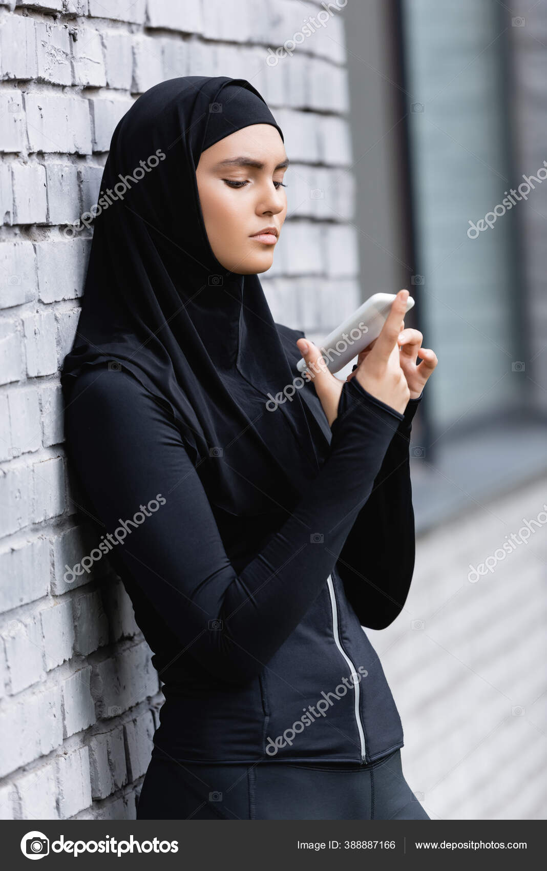 in attractive arabic pag women