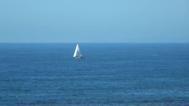 Plachetnice v Tichém oceánu