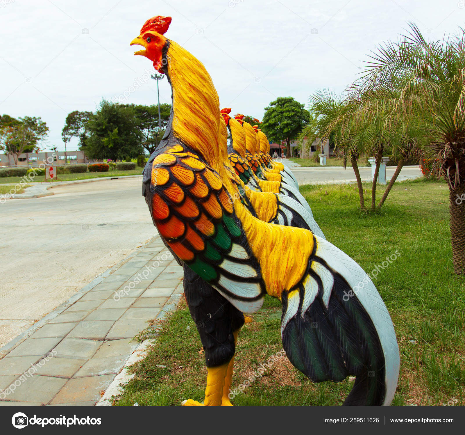 Fighting Cock Statue Statue Thailand Altar Temple — Stock Photo © YAYImages  #259511626