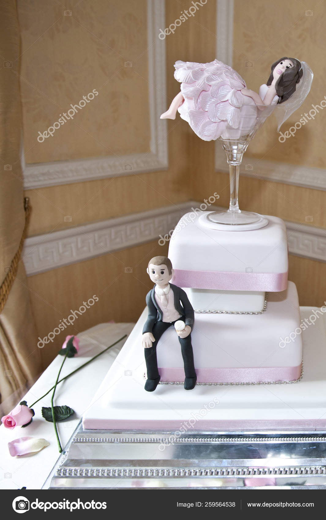 Wedding Cake Models Bride Groom Stock Photo Image By C Yayimages 259564538