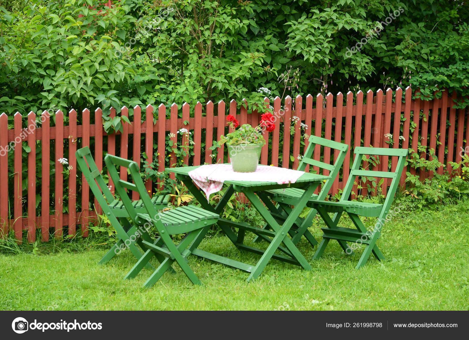 Vieux Banc De Jardin meubles verts jardin dans modèle ancien fait bois