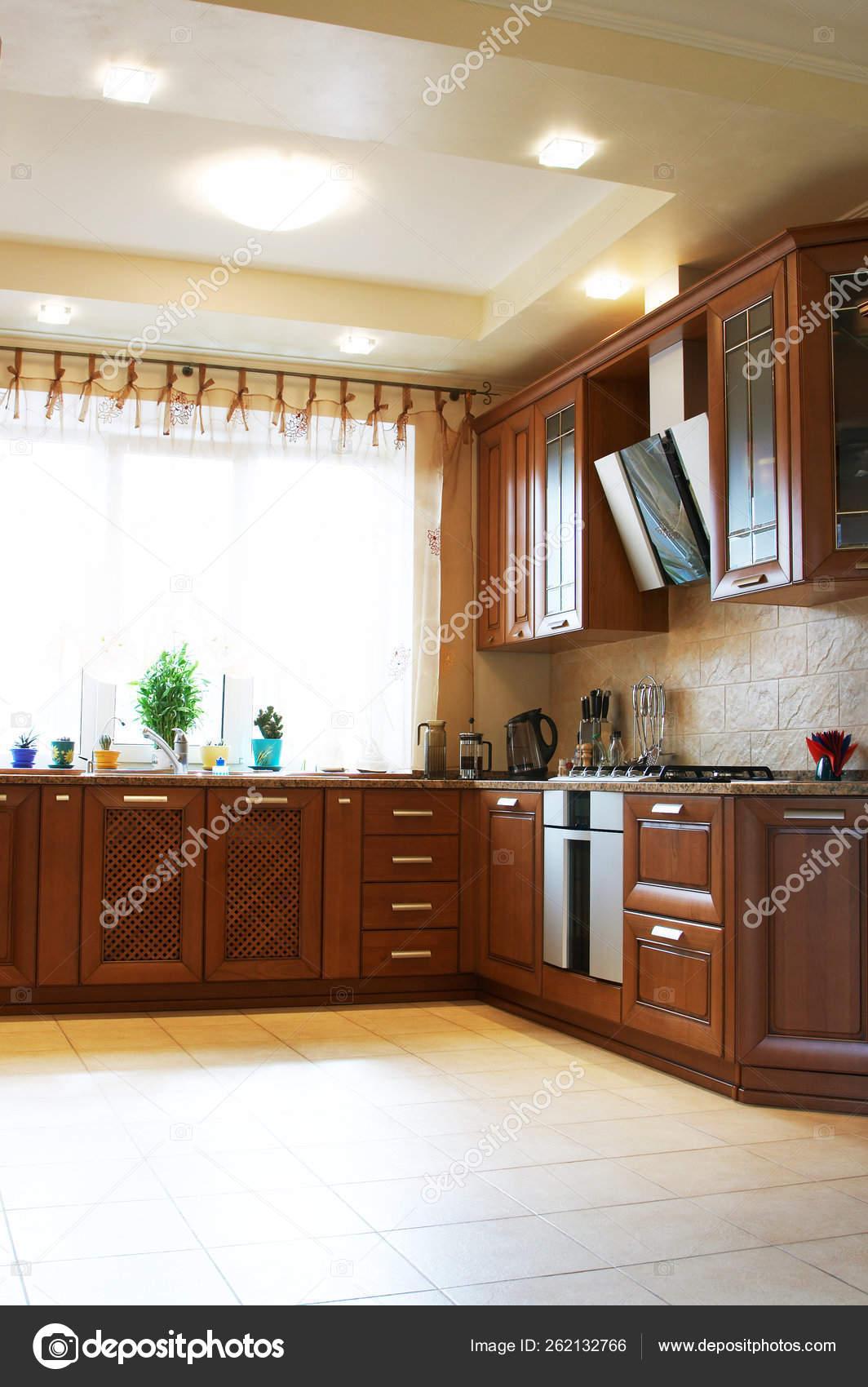 Muebles Cocina Madera Casa Moderna — Foto de stock ...
