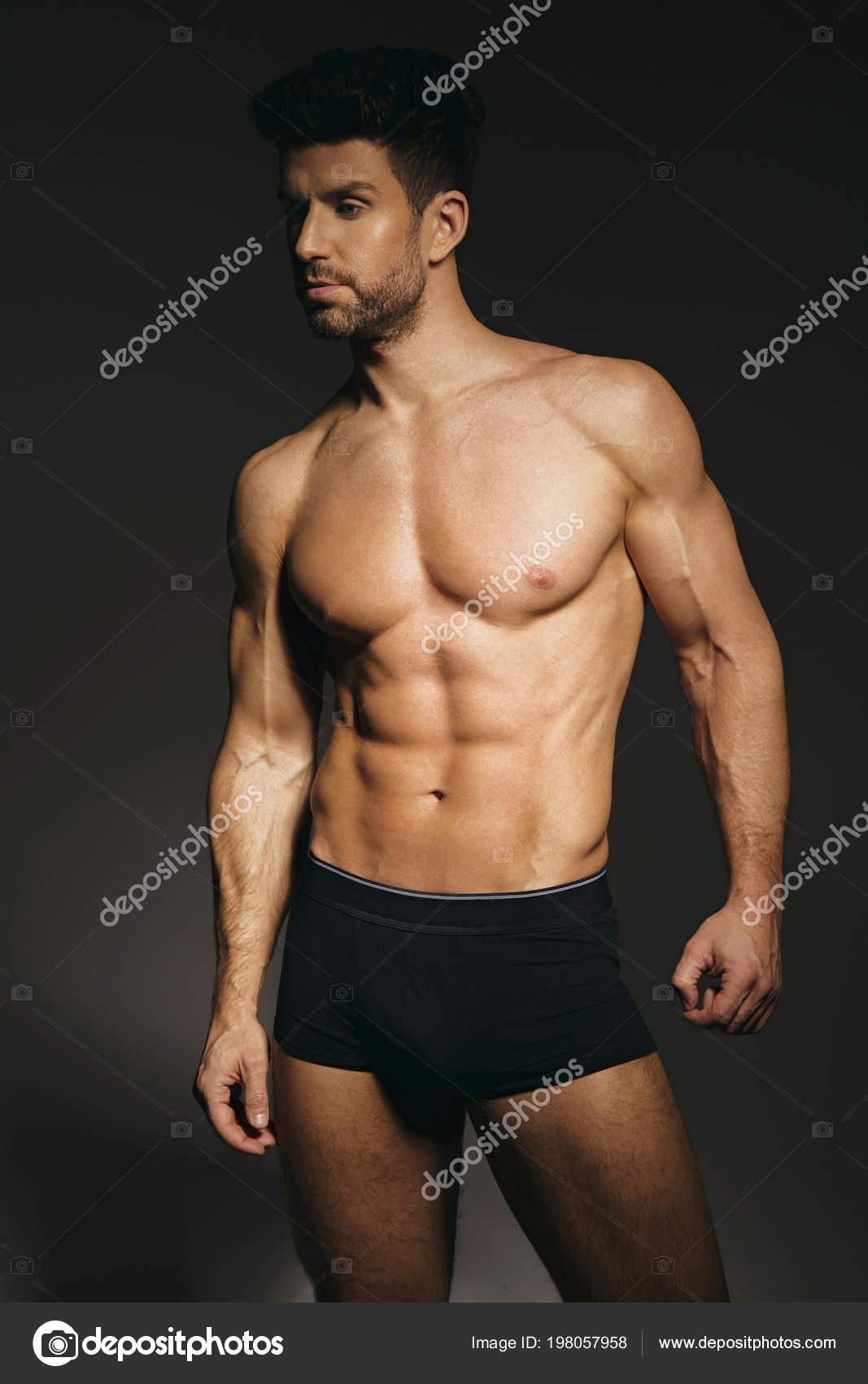 861b32cafd Hombre Modelo Ropa Interior Sexy Sobre Fondo Gris — Foto de stock ...