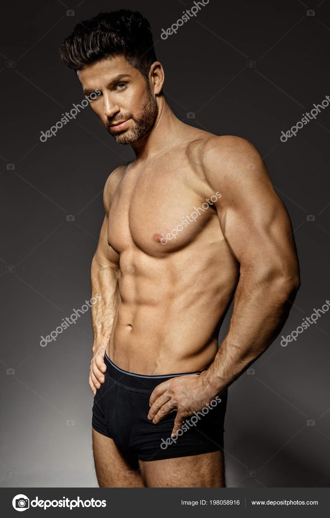 Сексуальные модели мужчины