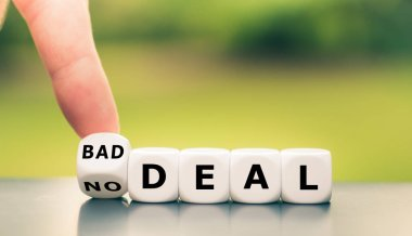 No deal or bad deal? Hand turns a dice and changes the expressio