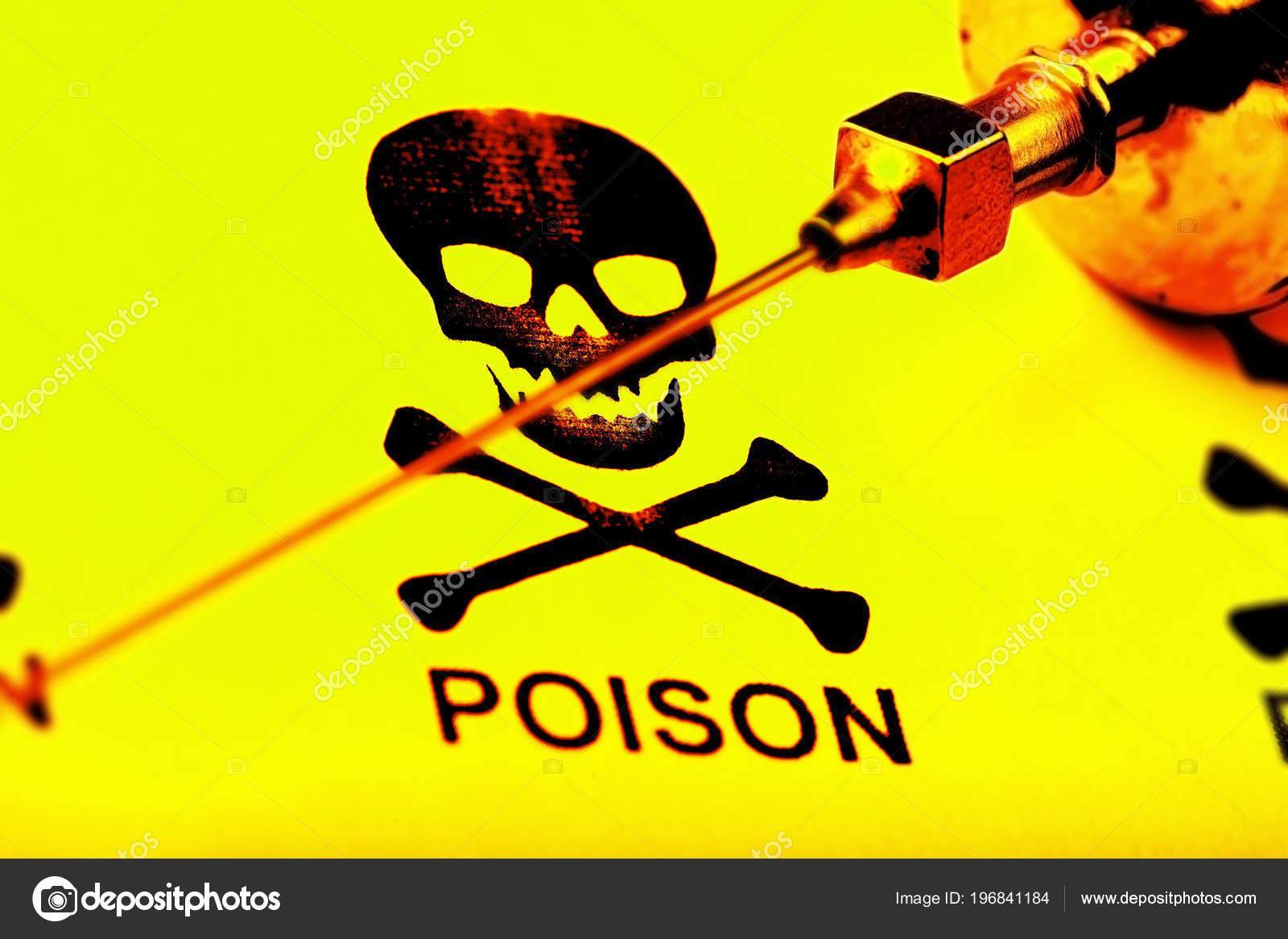Old Styled Needle Medical Syringe Background Skull Crossbones Sign Toxicity  ⬇ Stock Photo, Image by © sudok1 #196841184