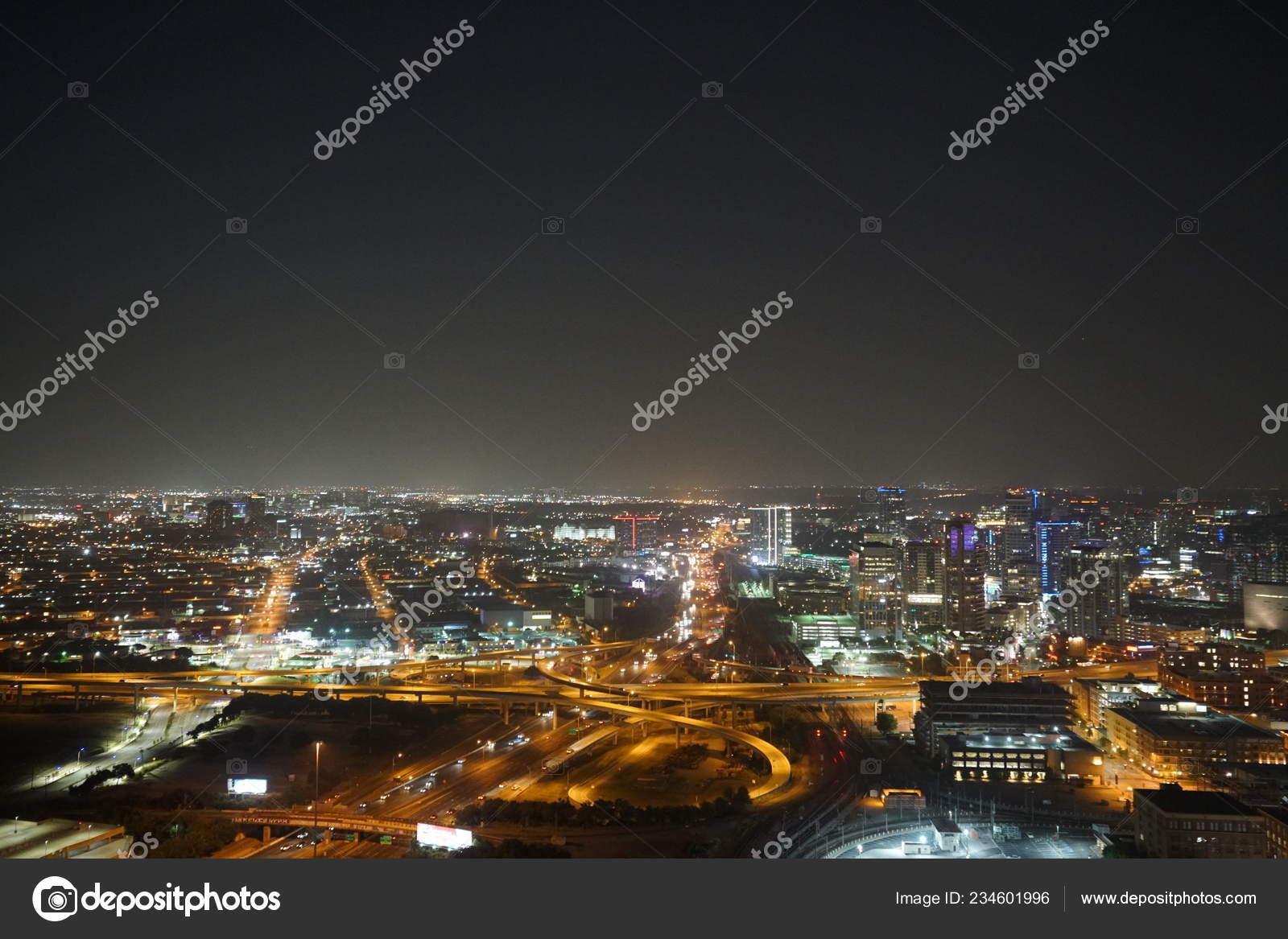Vista Cidade Noturna Iluminada Trafego Rodoviario Stock Photo C Nicholasgeraldinephotography 234601996