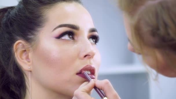 Make-up modelu Ukrajina 4 Full Hd 100 fps