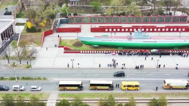 Vladivostok, Primorsky Krai/Rusko-04 30 2019: kvadrokopter let po pomníku Velké vlastenecké války, ponorka C56