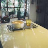 kávé a kávézóban