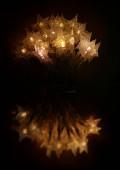 tűzijáték a fekete háttér