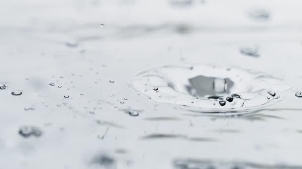 Wassertropfen in Superzeitlupe