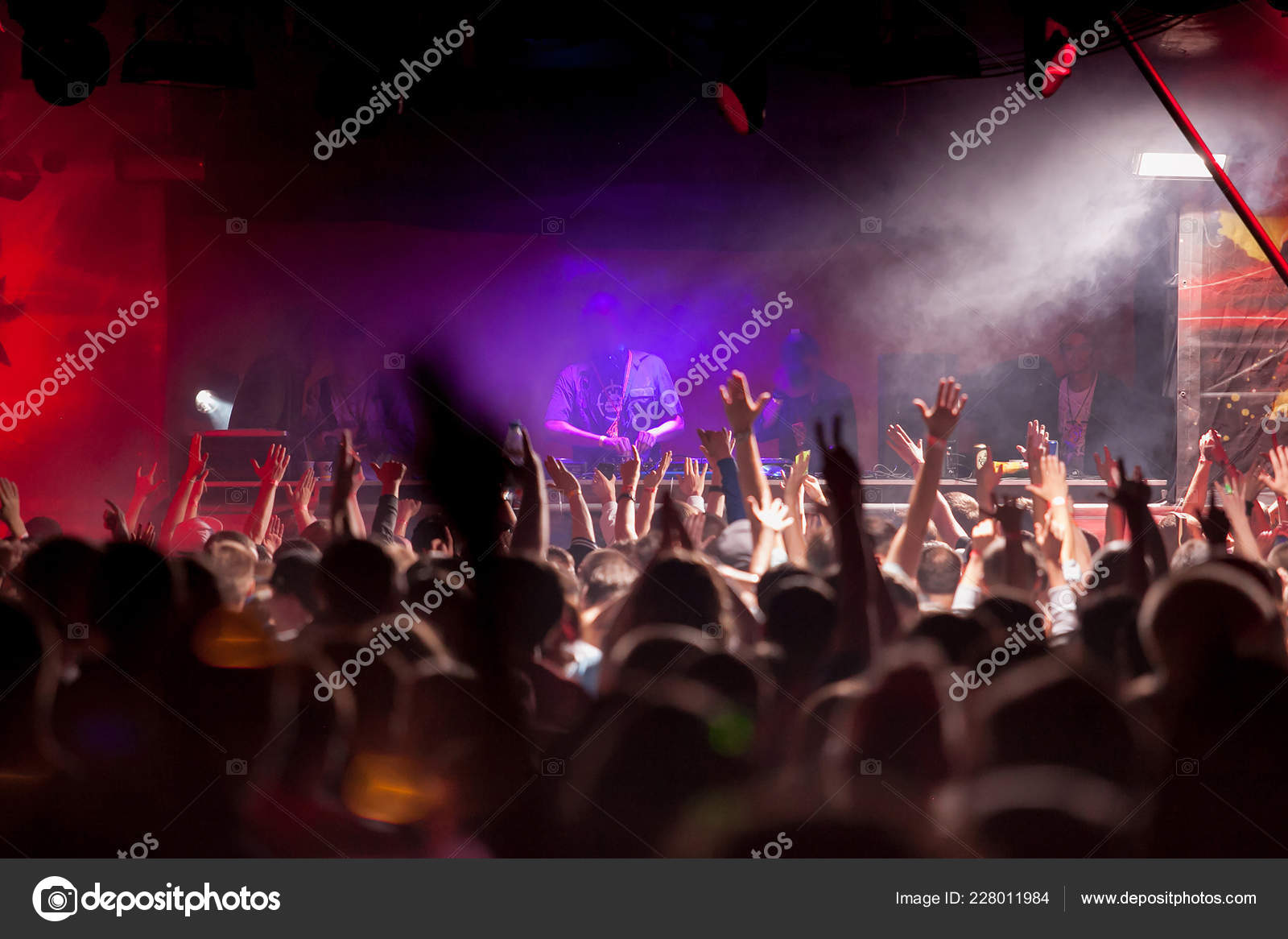 Cheering Crowd Hands Air Music Festival – Stock Editorial Photo