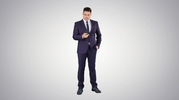 Serious worried businessman trying to call someone and cant get through Call failed on gradient background.