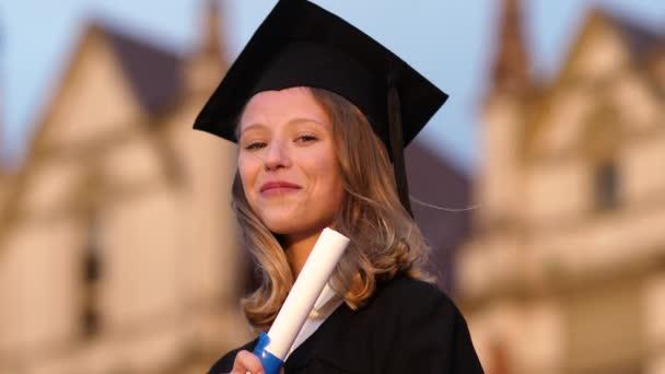 érettségi girl gazdaság diplomát szerzett a büszkeség.