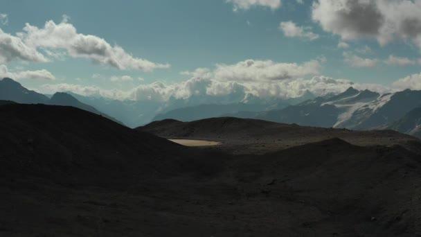 Tájkép kilátás Kaukázus hegyek közelében Mount Elbrus