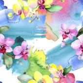 Nádherné květy orchidejí se zelenými listy. Ilustrace akvarel zázemí. Vzor bezešvé pozadí. Fabric tapety tisku textura