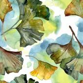 Photo Yellow and green ginkgo biloba foliage watercolor illustration. Seamless background pattern.