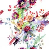 Fotografia Bouquet con fiori e bacche. Botanico floreale. Millefiori di foglia di primavera selvaggio isolato. Insieme di illustrazione dellacquerello della priorità bassa. Aquarelle di moda disegno acquerello isolato