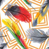 Színes madár toll a szárny elszigetelt. Akvarell rajz divat Aquarelle. Szövet tapéta nyomtatási textúra.