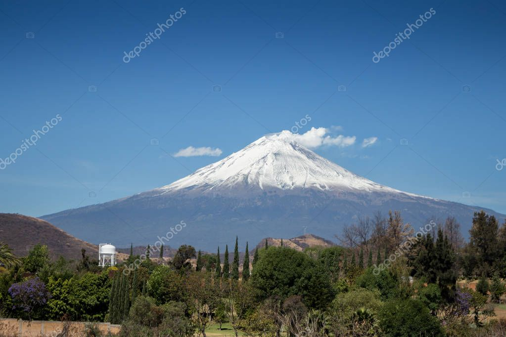 popocatepetl awesome photo for editorial