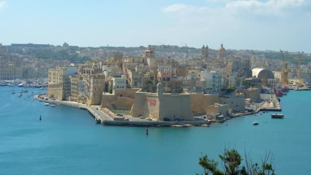 The city of Senglea (L-Isla) is the medieval fortress, facing the Grand Harbour (Port of Valletta), it boasts huge ramparts, historical mansions, palaces and churches, coastal cafes and bars, Malta.