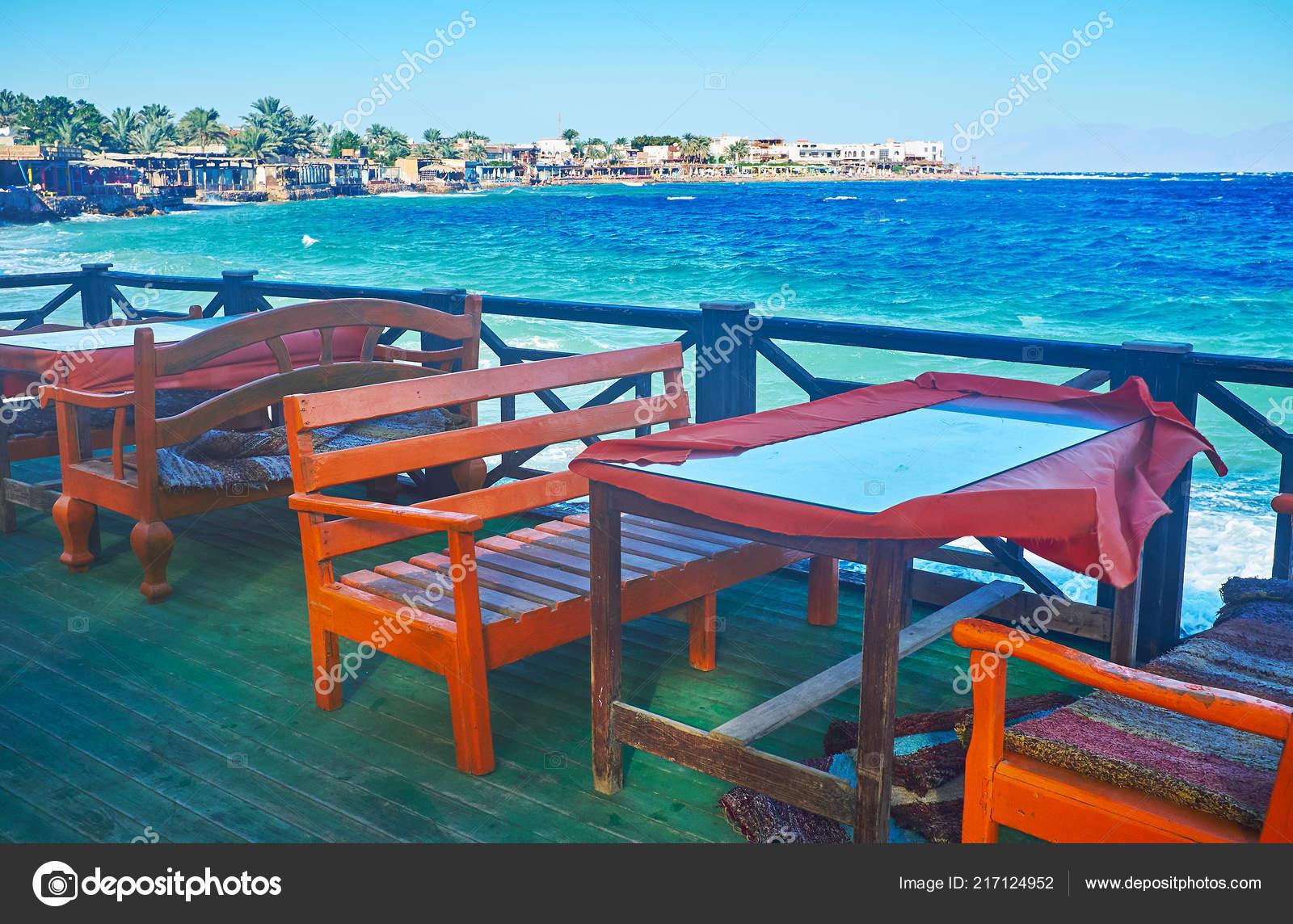 Las Mesas Terraza Verano Del Restaurante Litoral Con Vistas