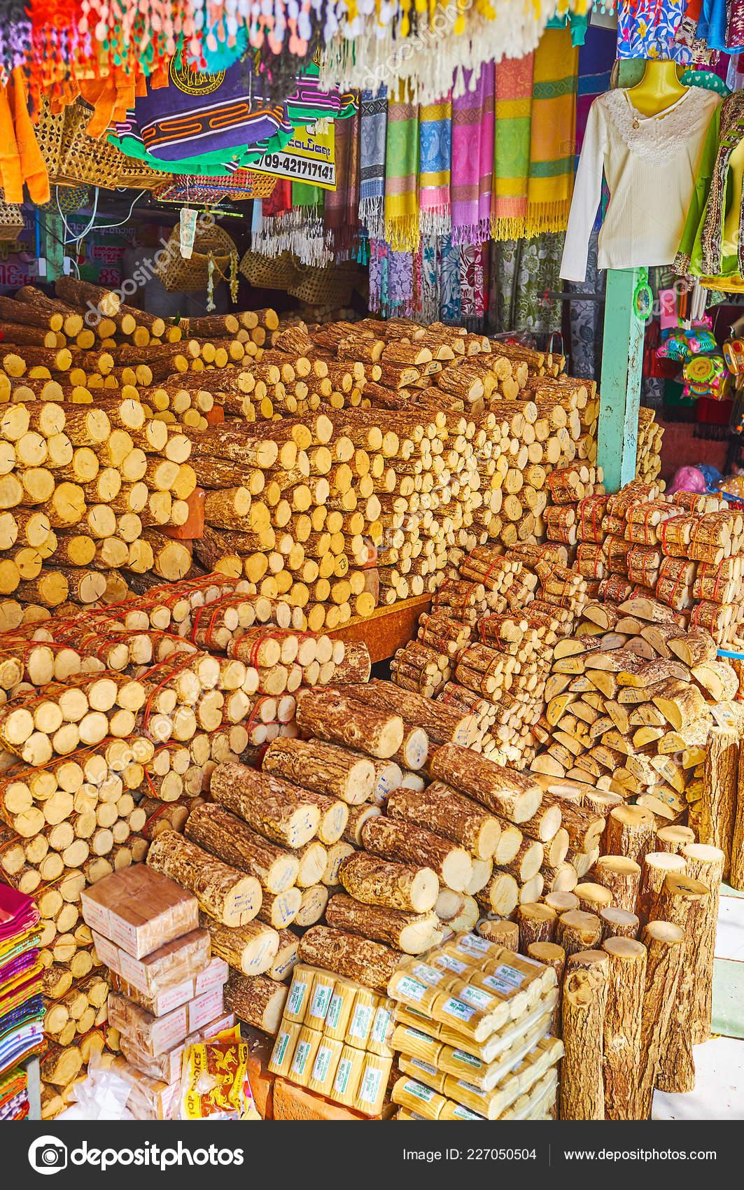 Sagaing Myanmar February 2018 Kaunghmudaw Pagoda Market