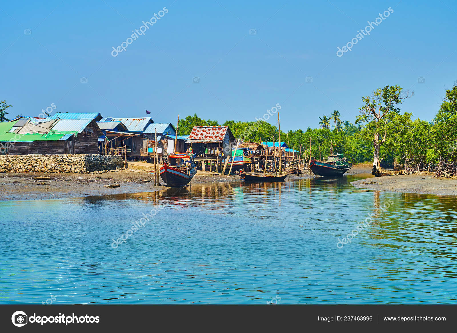 Chaung Tha Village Located Bay Bengal Kangy River Fishing
