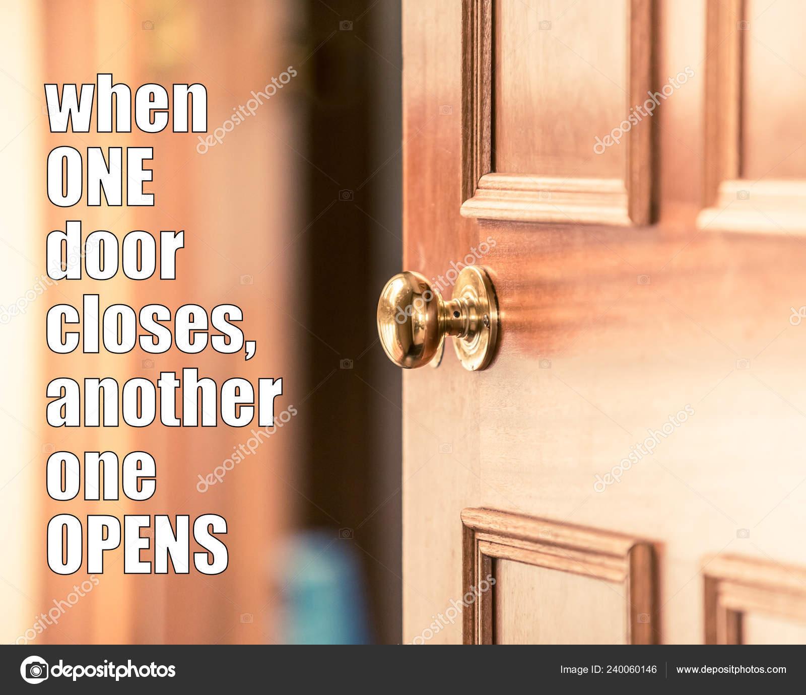 Cotización Motivacional Cuando Una Puerta Cierra Otra Abre