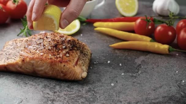 Grilled salmon served with lemon