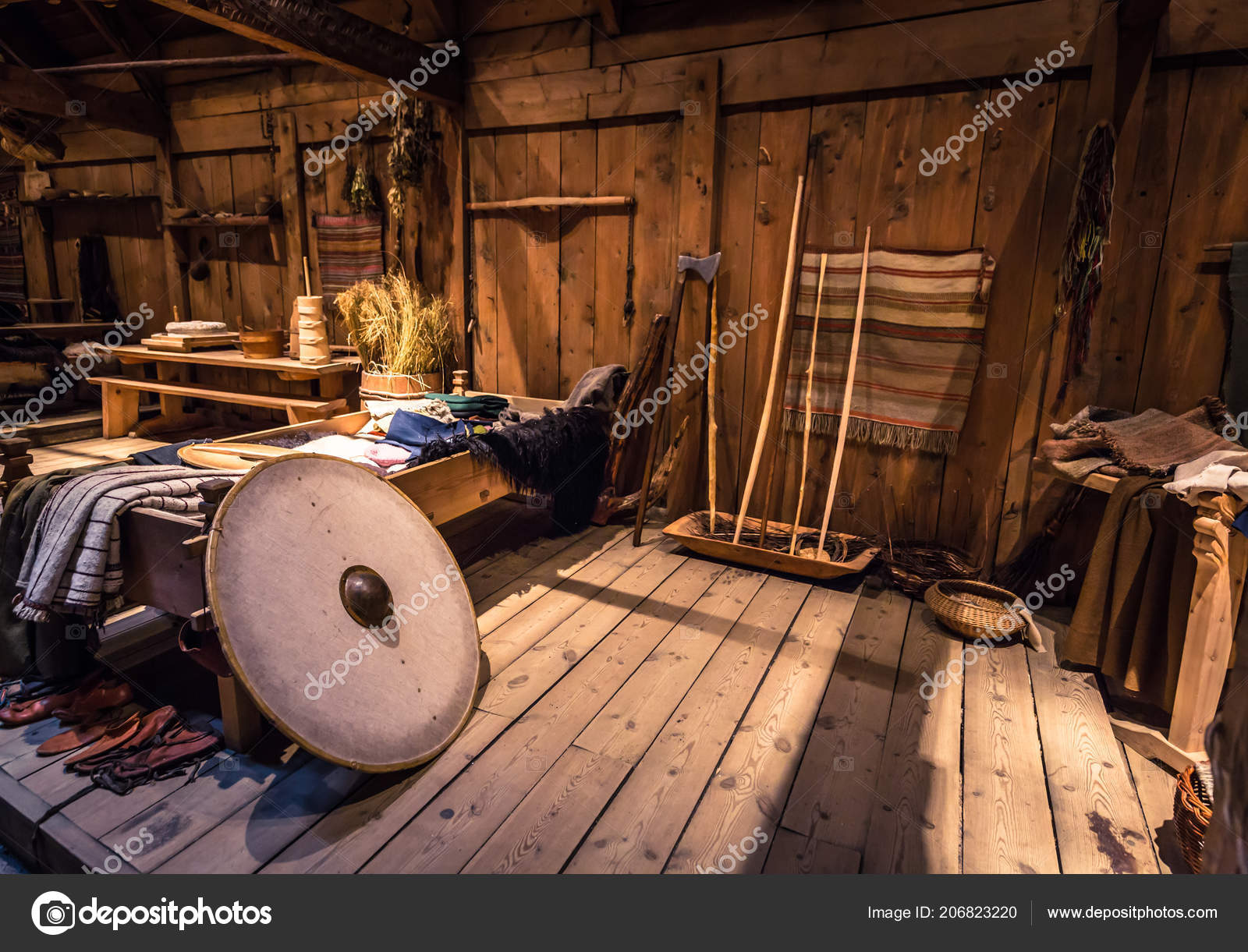 Borg June 2018 Viking Weapons Artifacts Longhouse Lofotr