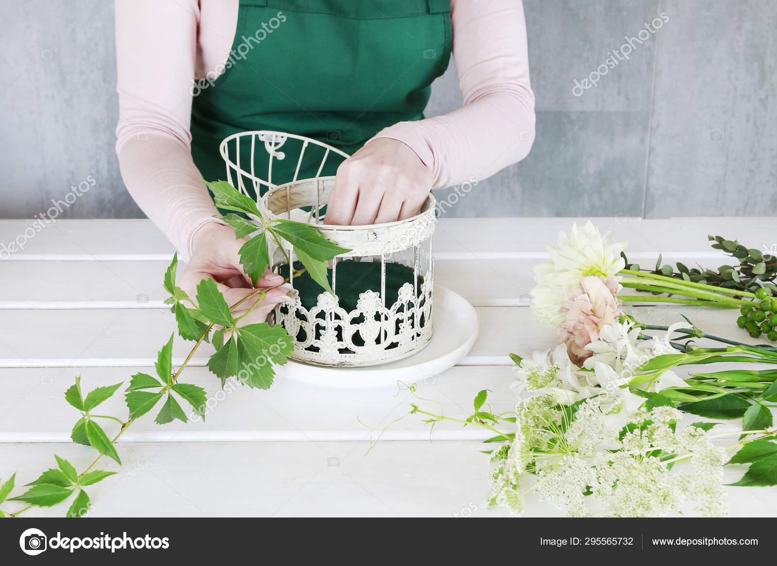 Cómo Hacer Arreglos Florales Con Rosas Dalias Y Flujo De