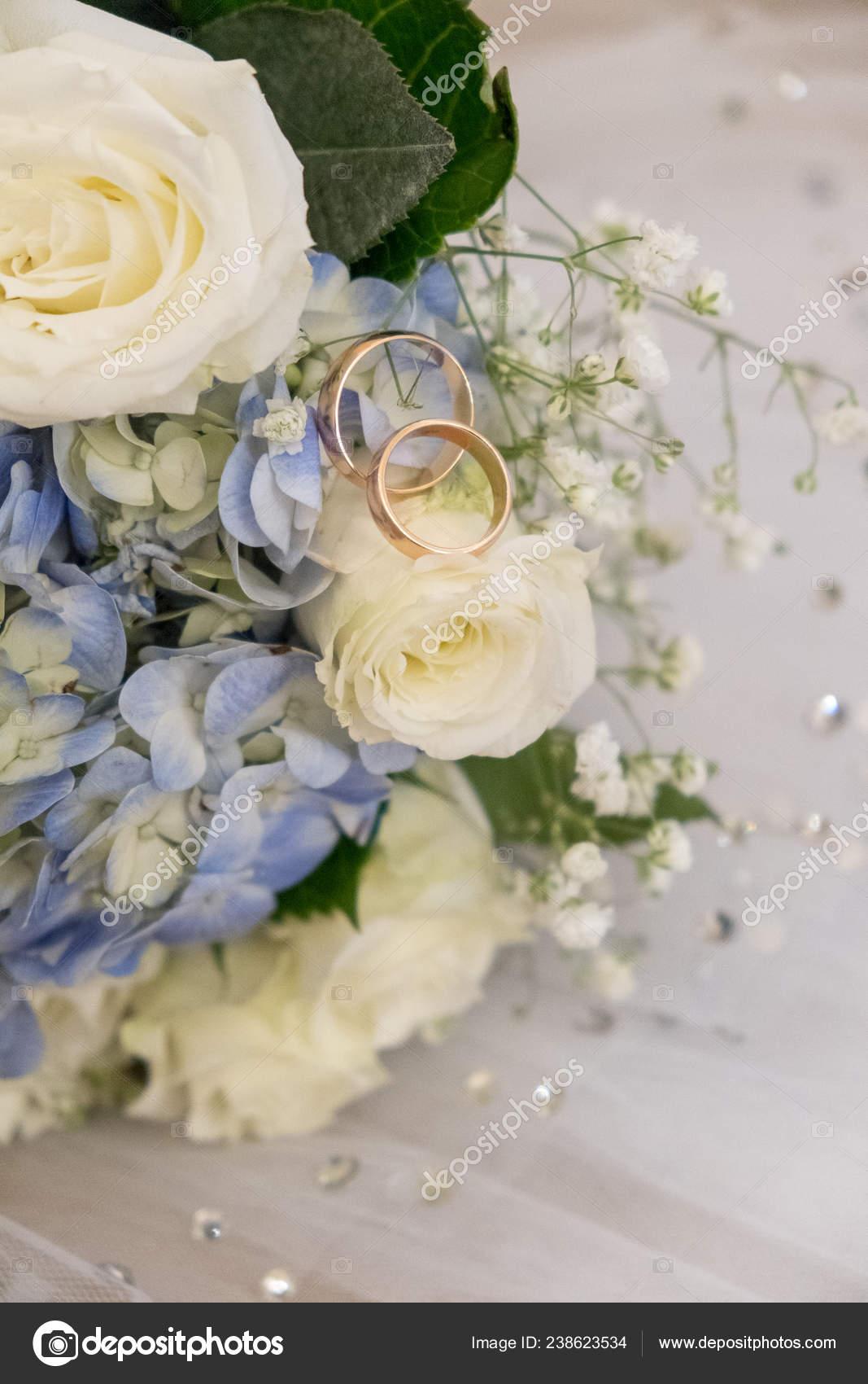 Wwwbouquet Sposait.Bridal Bouquet Wedding Rings Stock Photo C Olesemenova 238623534