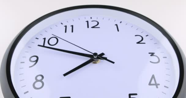 Krátký časový výpadek obličeje hodin